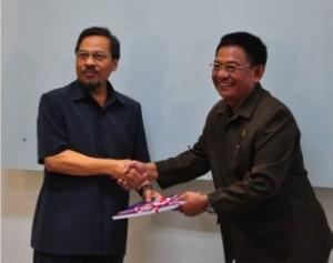 Penyerahan LHP Pendapatan Daerah Kota Tarakan_Ketua DPRD