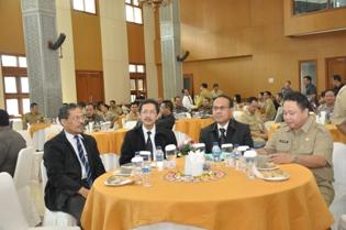 Gambar 3. Kepala Perwakilan BPK Provinsi Kalimantan Timur hadir dalam Seminar Sehari  Percepatan Akuntabilitas Pengelolaan Keuangan Daerah