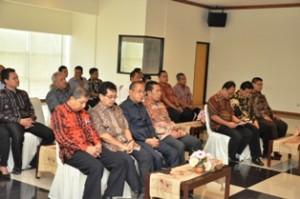 Jajaran Pejabat Pemkab Kutai Timur dan BPK Perwakilan Kaltim yang menghadiri acara penyerahan LHP
