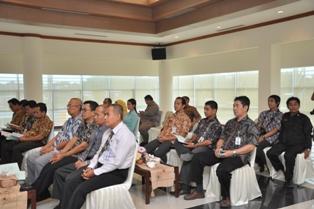 Gambar 3. Pejabat Struktural dari Pemkot Samarinda maupun BPK Perwakilan Kaltim mengikuti acara penyerahan LHP tersebut.