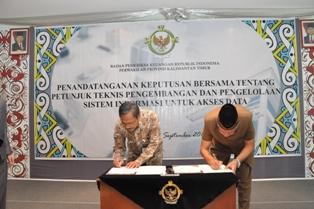 Kepala Perwakilan dan Walikota Tarakan menandatangani Keputusan Bersama Juknis E-audit