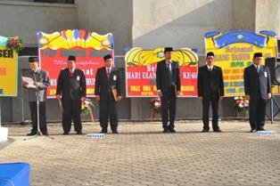 Gambar 3. Pejabat Struktural menjadi petugas upacara