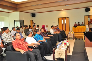 Gambar 2. Pejabat Struktural BPK Perwakilan Kaltim dan Pejabat di Lingkungan Pemprov Kaltim turut menghadiri acara tersebut