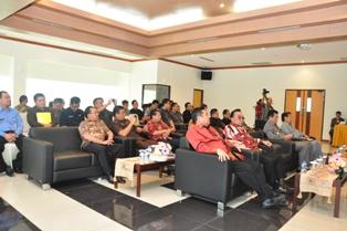 Gambar 4. Pejabat Struktural BPK , Pemkab Kutai Barat dan Malinau ...