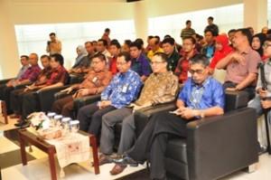 Gambar 4. Pejabat Struktural BPK , Pemkot Samarinda serta Pemkab Bulungan turut hadir dalam penyerahan tersebut