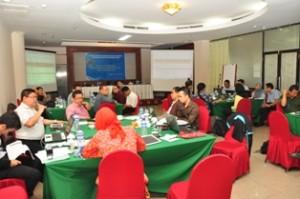 Gambar 2. Suasana Diskusi Peserta Rapat Evaluasi Kinerja.
