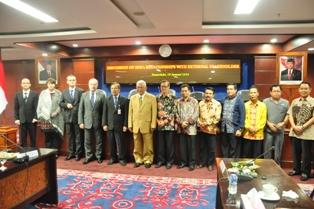 gambar 3 foto bersama antara nik polandia dengan delegasi stakeholder