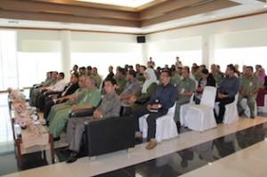 Gambar 1. Jajaran Pemerintah Provinsi Kaltim dan Kabupaten Kutai Timur turut hadir dalam acara penyerahan tersebut.
